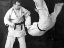 Moshé Feldenkrais training in judo