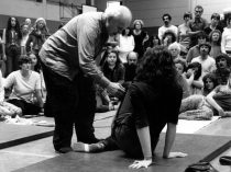 Moshé Feldenkrais demonstrates with Anat Baniel in his training